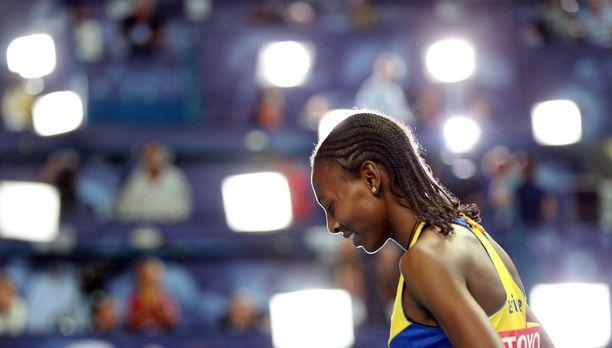 Abeba Aregawi on elänyt vuosia varjoissa, mutta Ruotsissa spekuloidaan yhä MM-kultamitalistin paluulla