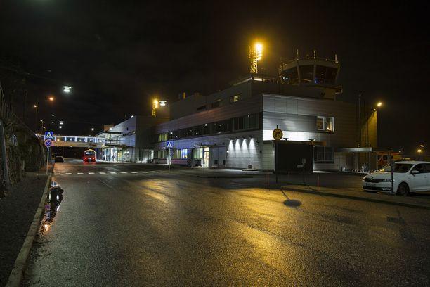 Turkuun saapui lauantaina 86 matkustajaa, joista 61:lle tehtiin koronavirustesti. Arkistokuva.