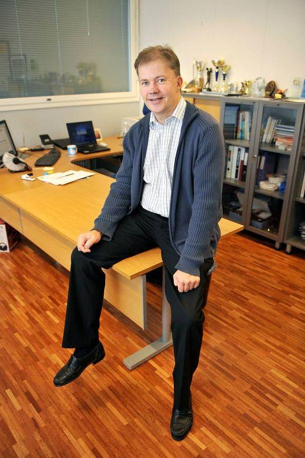 Hannu Meskanen yrittää puheenjohtajana luotsata kriisiseuran uuteen nousuun.