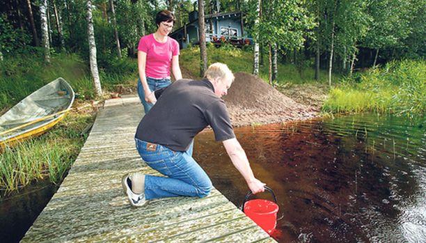 Puhdas vesi oli olennainen kriteeri Irmeli ja Seppo Henrikssonille.