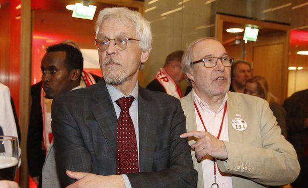 Pentti Arajärvi jännittää vaalitulostaan ilman Tarja Halosta.