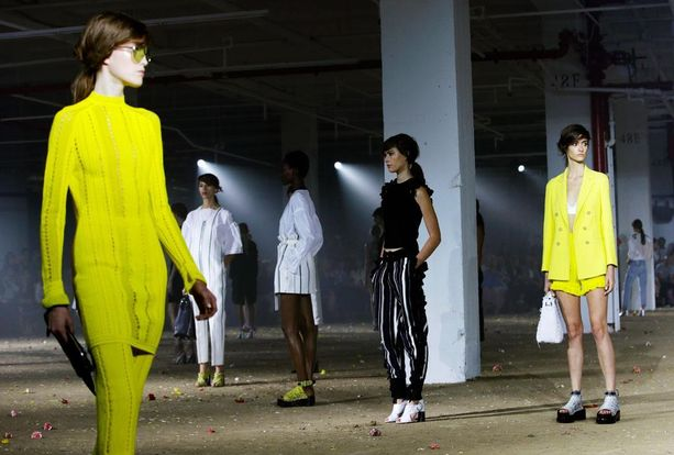 Phillip Limin runway New Yorkin muotiviikoilta.