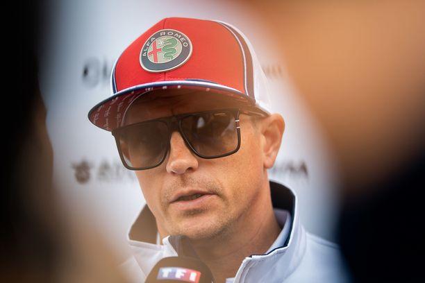 Kimi Räikkönen on vähätellyt jalkavamman merkitystä.