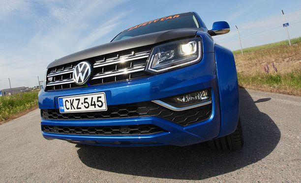 Uusi Amarok 190 kW V6 toimii myös Rata-autoilun SM-sarjan turva-autona.