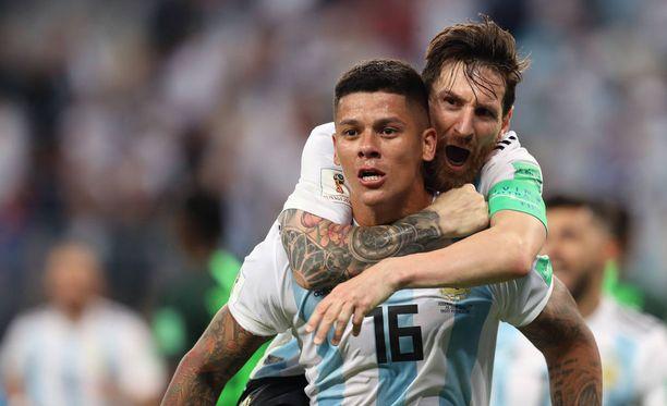 Marcos Rojo ja Lionel Messi upottivat MM-kisojen jatkopeleistä pudonneen Nigerian tiistaina.