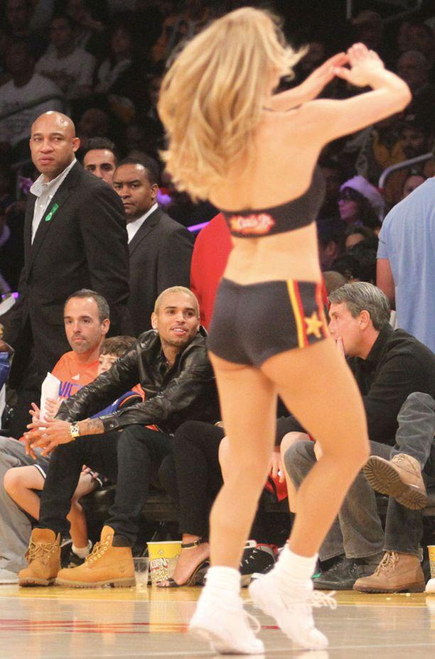 Välillä Chrisin keskittyminen herpaantui myös muualle...