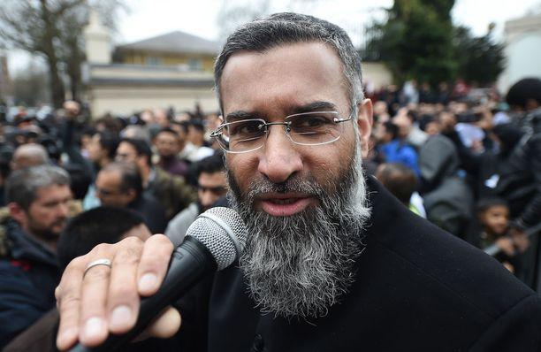 Anjem Choudary voi olla Britannian vaarallisin radikaalisaarnaaja. Kuva vuodelta 2015.