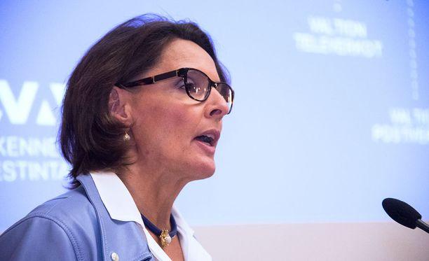 Liikenne- ja viestintäministeri Anne Bernerin (kesk).