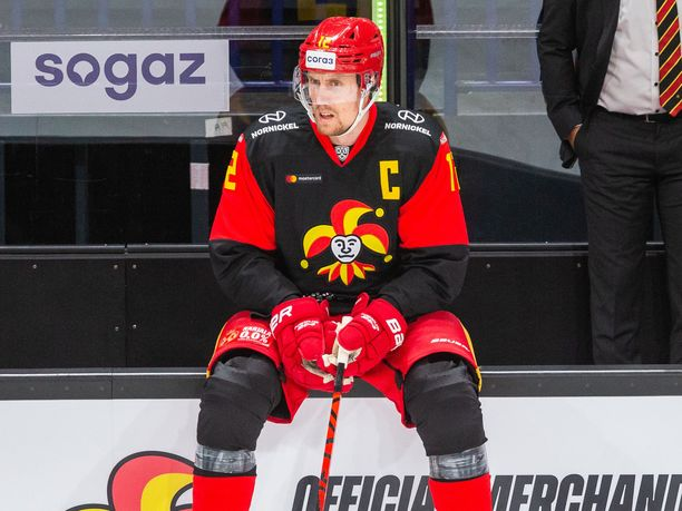 Marko Anttila ja kumppanit joutuivat muutaman viikon huilille peleistä.