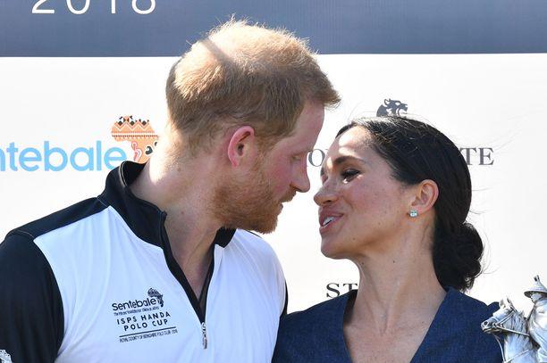 Prinssi Harry ja herttuatar Meghan ovat esikoisestaan innoissaan. Lapsi on erittäin toivottu.
