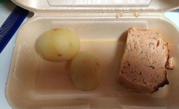 Tältä näytti vanhukselle toimitettu ruoka-annos.