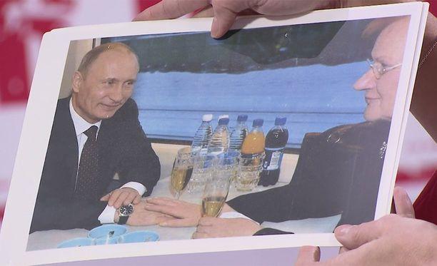 Vladimir Putinin ja Tarja Halosen välit ovat olleet lämpimät.