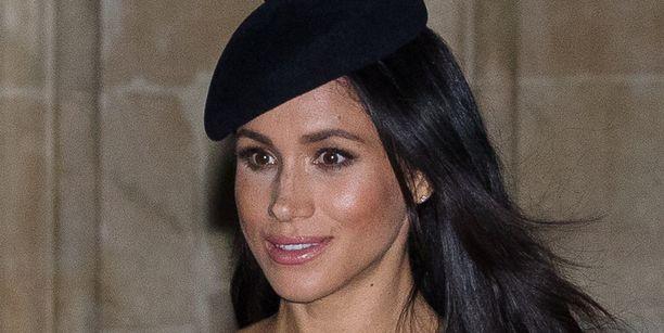 Saako Meghan nyt kuninkaalliselta perheeltä samanlaisen kohtelun kuin prinsessa Diana aikoinaan?
