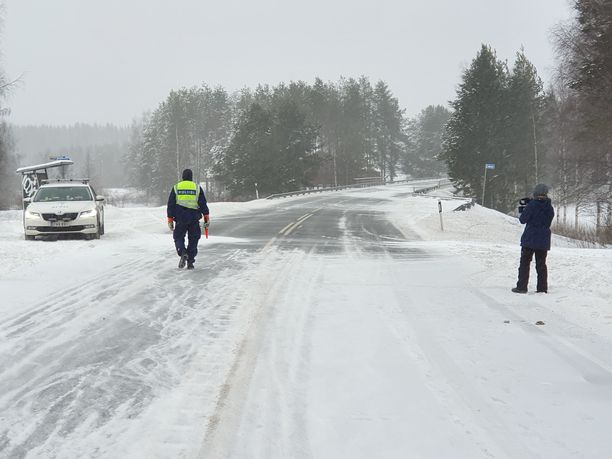 Operaation takia kantatie 66 suljettiin liikenteeltä Virtain ja Alavuden väliltä yli neljäksi tunniksi.
