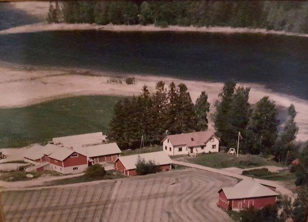 Mattilan maatila ennen sukupolven vaihdosta.