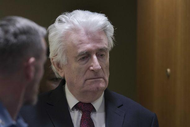 Radovan Karadžić sai keskiviikkona Haagissa kuulla viettävänsä loppuelämänsä vankilassa.