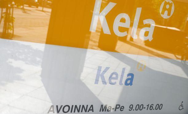 Kelalla on ongelmia toimeentulotuessa, kertoo Uutissuomalainen.