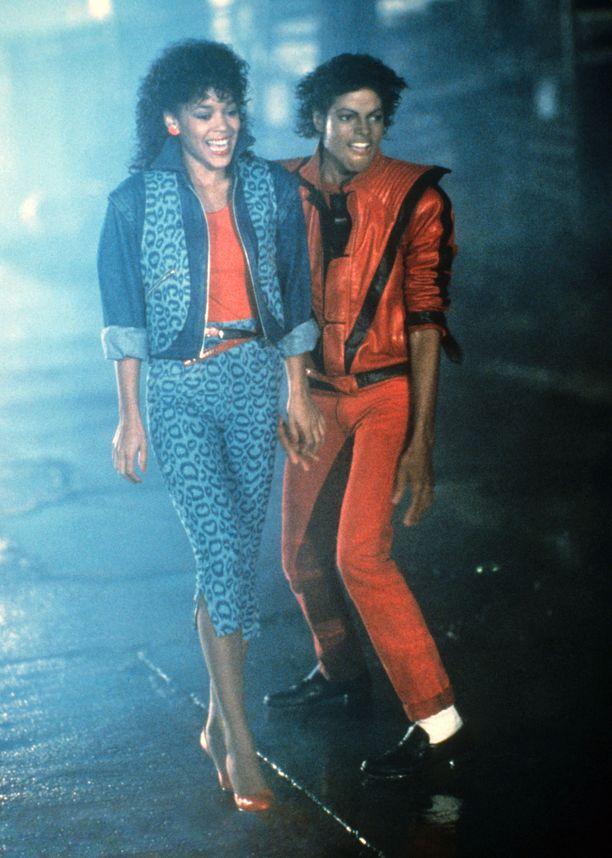 Ola Ray ja Michael Jackson Thriller-musiikkivideon kuvauksissa vuonna 1983.