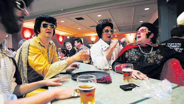 Parkesissa alkoivat tällä viikolla jo 15:nnen kerran Elvis-festarit. Osanottajia tapahtumaan odotetaan jopa 6 000.