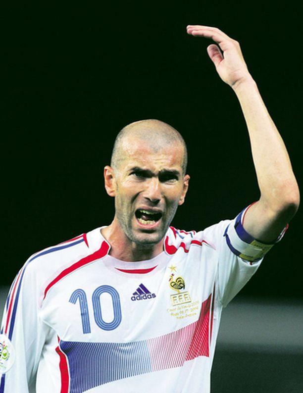 Zinedine Zidanea ei nähdä Marco Materazzin joukkuetoverina.