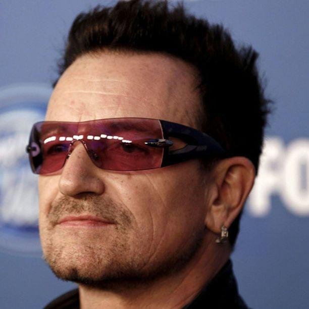 Sade pääsi yllättämään Bonon.