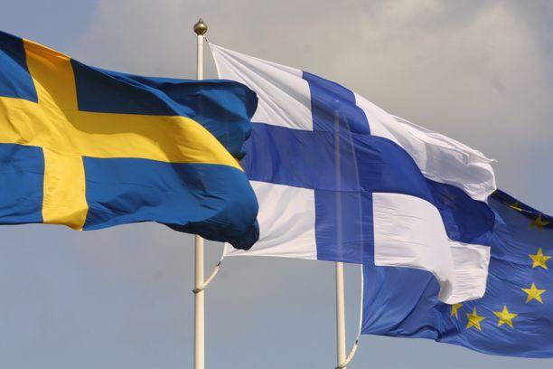 Esimerkiksi täysi-ikäisiä Suomen ja Ruotsin kaksoiskansalaisia asuu Suomessa lähes 6 000.