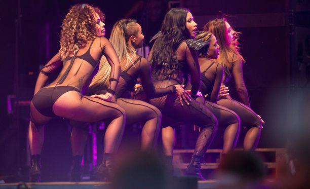 Yhdysvaltalainen rap- ja R&B-artisti Nicki Minaj villitsi yleisön Lahden Summer Up -festareilla.