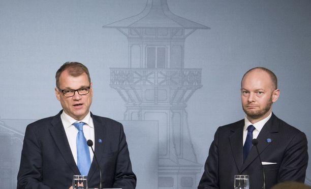 Sipilällä ja Terholla on näkemyseroja Suomen EU-maksuista.
