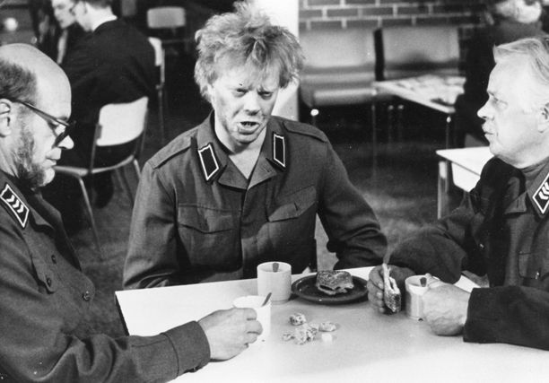 Uuno Turhapuro armeijan leivissä elokuvassa pääkolmikkona nähtiin tietenkin Spede Pasanen, Vesa-Matti Loiri ja Simo Salminen.