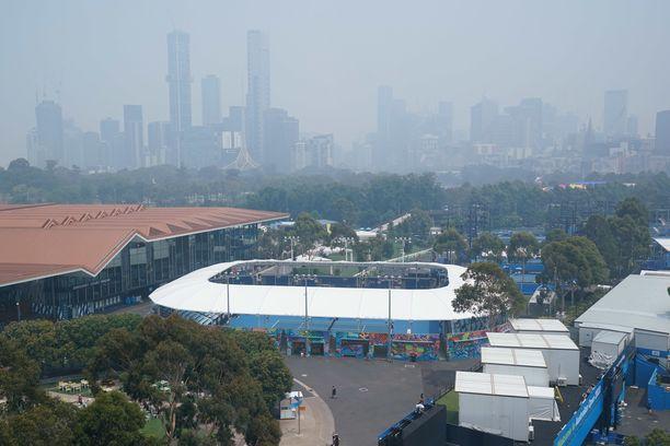 Melbournen yllä on sankka savupeite.