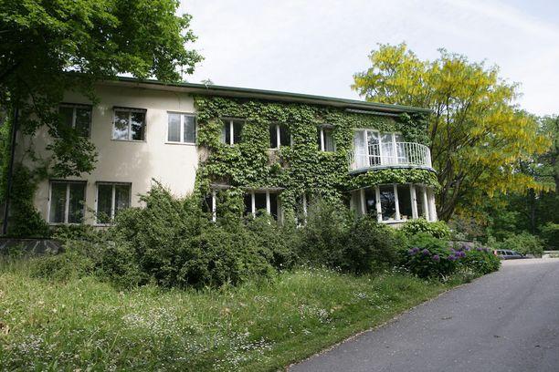 Huvila valmistui 1930-luvulla.