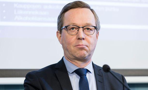 Elinkeinoministeri Mika Lintilä toteaa, että lisäeläkettä koskevissa kommenteissa on ristiriitaa.