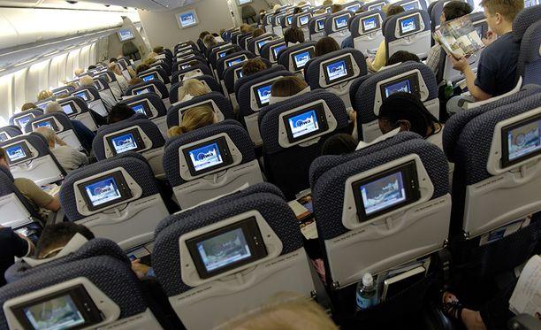 Sininen verhoilu on osa monen lentoyhtiön brändiä perinteiden ja väripsykologian vuoksi.