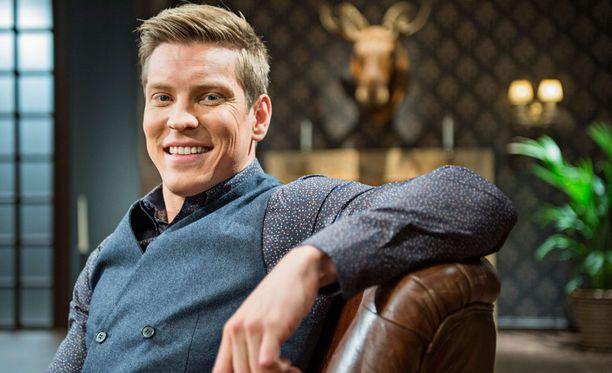Näyttelijä Antti Holma hakee Lontoosta seikkailua ja inspiraatiota. Suomessa hän aikoo piipahtaa tasaiseen tahtiin työskentelemässä.