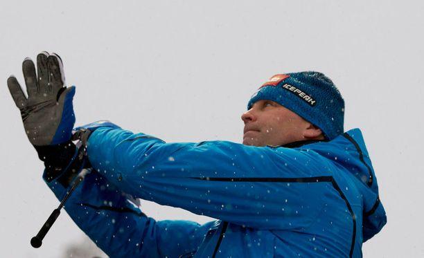 Pekka Niemelä valmentaa näinä päivinä Turkin mäkihyppääjiä.