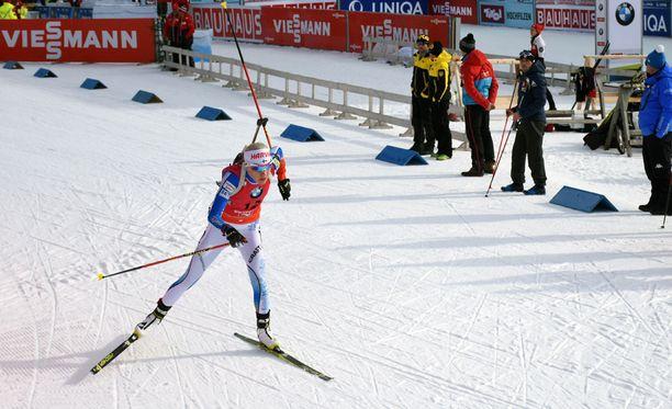 Kaisa Mäkäräisen suksi ei luistanut sunnuntaina Alpeilla.