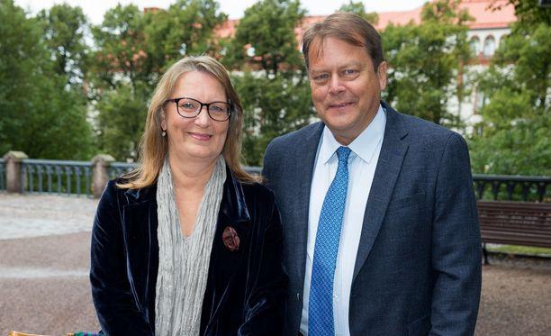 Jari Porttila kuvattiin hänen vaimonsa Kirstin kanssa syksyllä 2015.