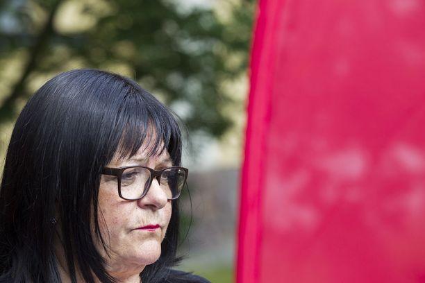 Kansanedustaja Maria Tolppasen (sd) mukaan esitys kuulostaa kyttäämiseltä.