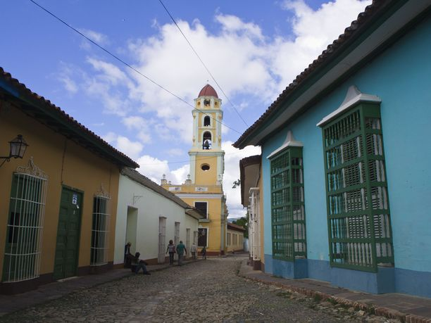 Sancti Spiritus on lähellä sijaitsevaa Trinidadia rauhallisempi.
