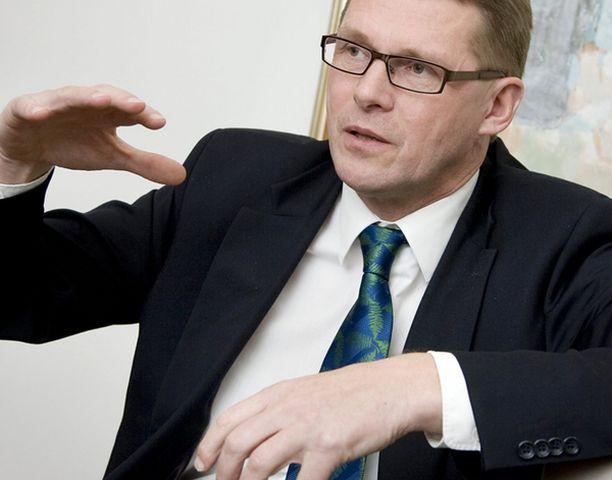 Pääministeri Matti Vanhasen mielestä ulkopoliittiselle selonteolle annetaan liikaa arvoa.