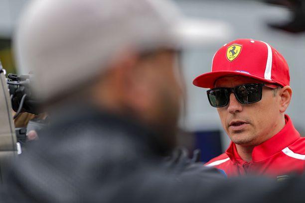 Kimi Räikkösellä on monien mukaan kaksi mahdollisuutta tämän kauden jälkeen: siirtyä McLarenille tai lopettaa F1-ura.