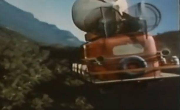 Professorin lentobussi on nykyään kulttimaineeseen noussut sarja.