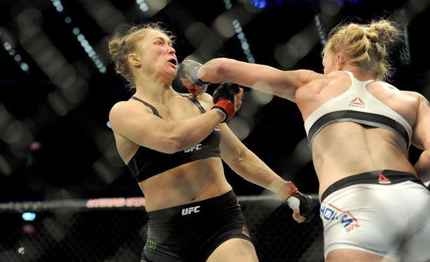 Ronda Rousey joutui marraskuussa Holly Holmin tyrmäämäksi.