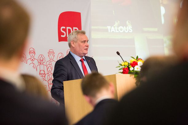 SDP:n puheenjohtaja Antti Rinne piti lauantaina puheen puoluevaltuuston kokouksessa Helsingissä. Rinne lähetti painavia terveisiä Suomen hallitukselle.