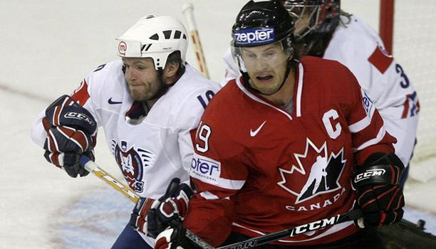 Kanadan kapteenin Shane Doanin off-ice-elämä ei vaikuttanut perjantaina yhtä rankalta kuin on-ice.