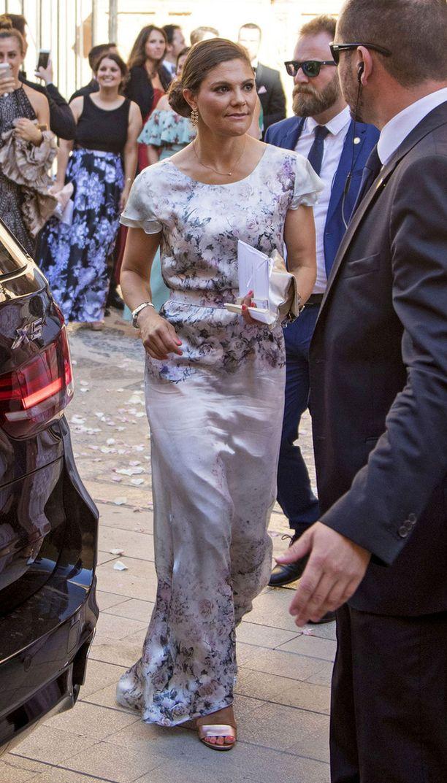 Victorian kesäinen mekko sovi oivallisesti helteiseen Espanjaan.