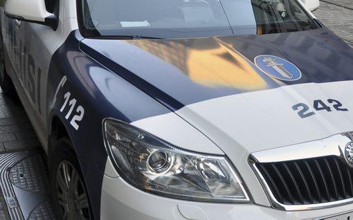 Poliisi epäilee: Alaikäistä poikaa vesikidutettiin yksityisasunnossa Helsingissä