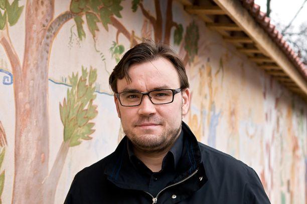 Kansanedustaja Johannes Yrttiaho ei sulata hävittäjähankintaa.