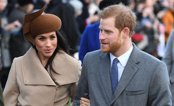 Meghan Markle ja Harry saivat poikkeuksellisesti viettää joulun yhdessä kunikaallisen perheen kanssa, vaikka eivät ole vielä naimisissa.