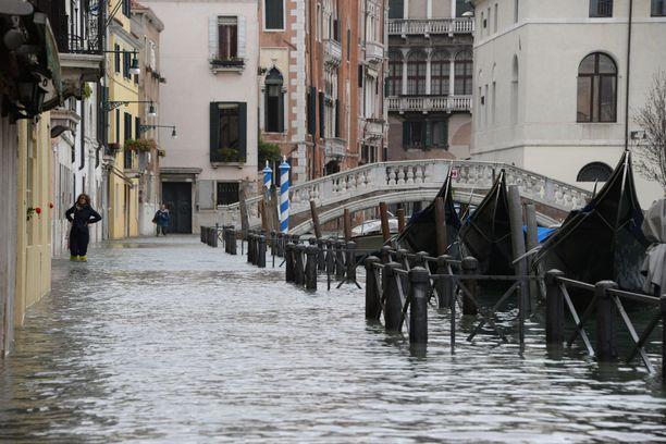 Liikkuminen Venetsiassa oli maanantaina haasteellista.